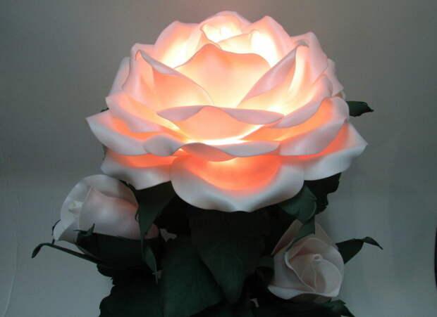 Цветы вместо ночника. Как сделать светящиеся цветы из изолона своими руками