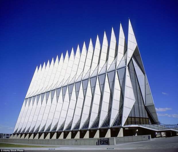 Кадетская часовня Академии ВВС США