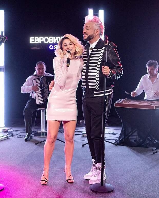 «Цвет настроения серебряный»: Подруга Киркорова ошеломила «Евровидение» безупречной фигурой