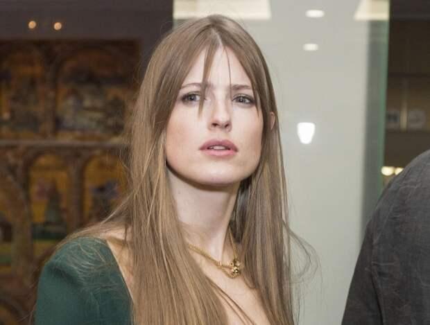 Жена Константина Эрнста пострадала во время показа спектакля