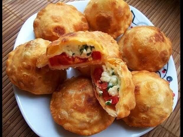 Картинки по запросу пирожки с помидорами и брынзой