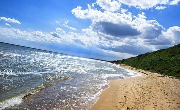 """Турагент предложила нам отдохнуть в Кучугурах на Азовском море. Взвешиваем """"за"""" и """"против"""""""