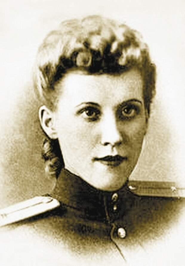 Елена Косова – дочь генерала, командующего внутренними войсками МВД, была первой советской женщиной, которая работала в ООН./Фото: miragebeaut.ru