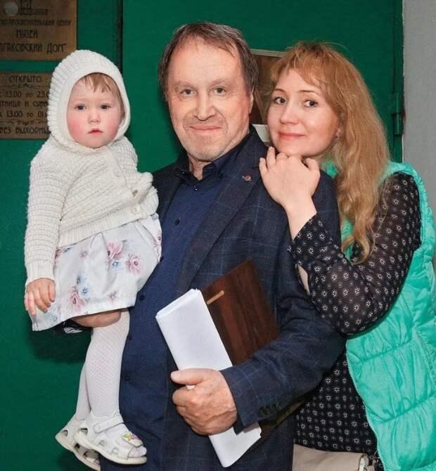 COVID-19 перешёл на детей: дочь актёра Стеклова в больнице