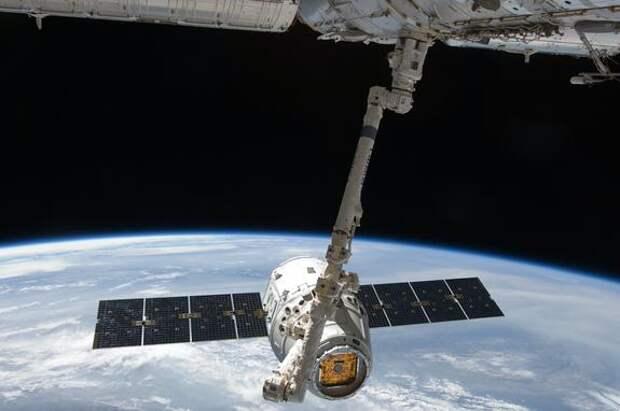 Ночью на МКС прозвучала сирена из-за сбоя в системе управления российского модуля «Звезда»