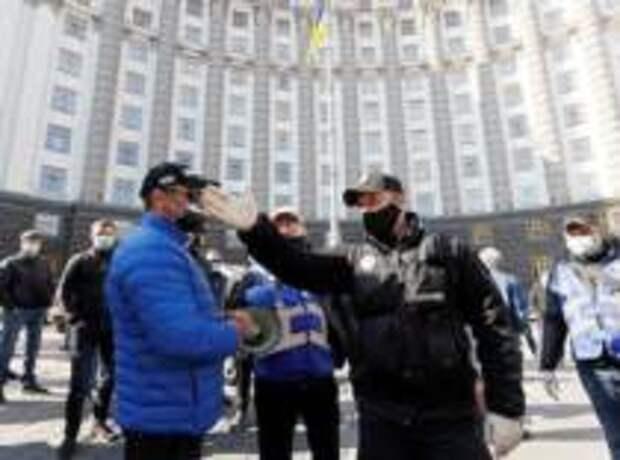 Украина постепенно выходит из карантина