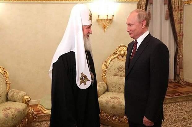 Патриарх Кирилл поздравил Путина с именинами