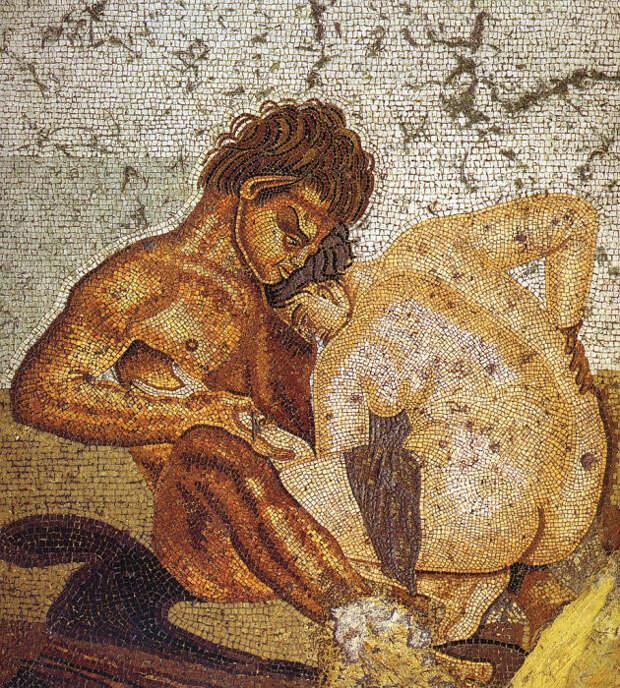 Сатир и нимфа. Мозаика в Доме Фавна, Помпеи.   Фото: commons.wikimedia.org.