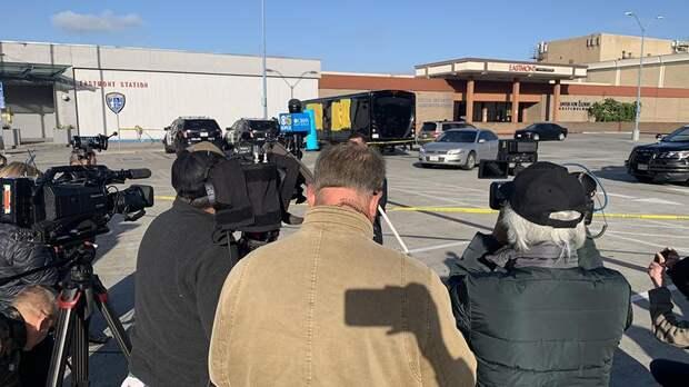 Две женщины погибли в результате обстрела автобуса в Калифорнии
