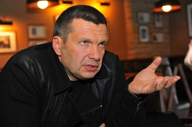 Соловьёв припомнил Собчак крабов вответ напретензии поНавальному
