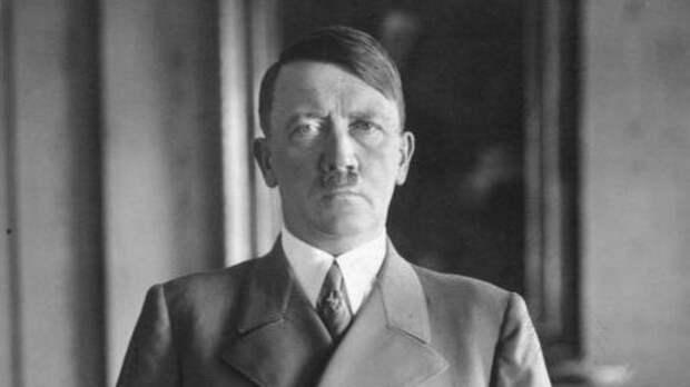 Внештатный журналист CNN захотел возвращения Гитлера на планету