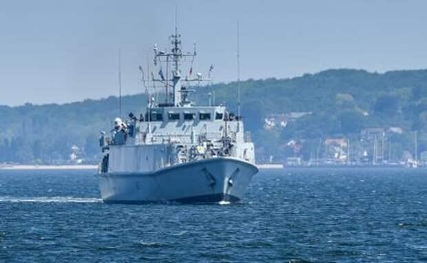 Британия Украине подарила пароход