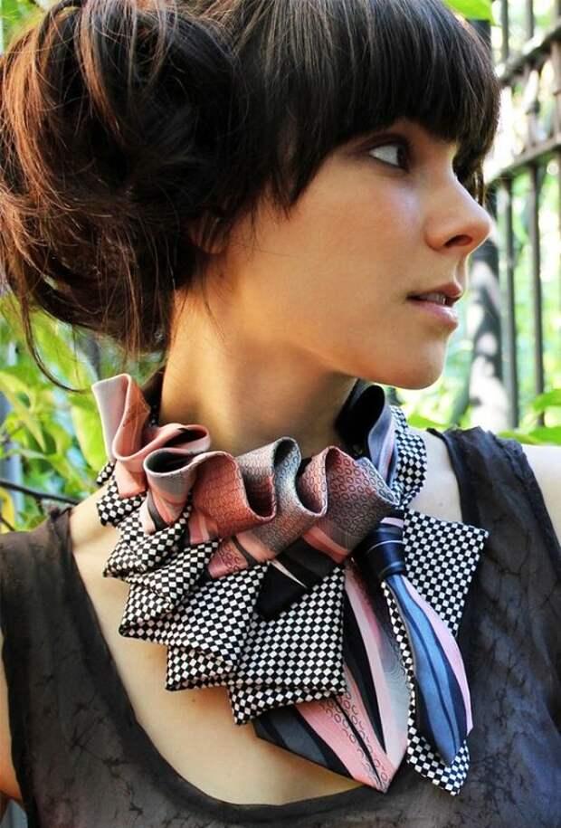 Старые галстуки превращаются в ... стильные аксессуары!
