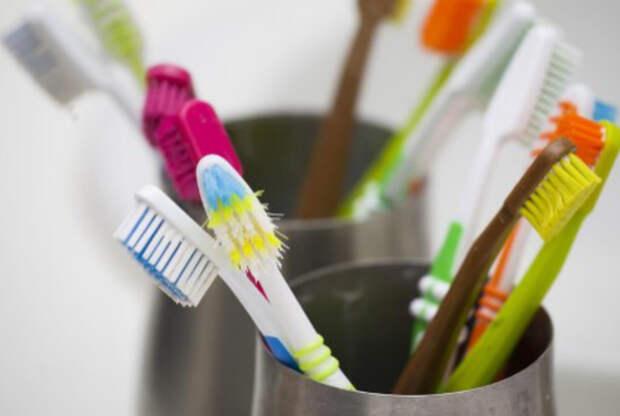 Дезинфицирующее средство для зубных щеток. | Фото: Dental Tribune Russia.