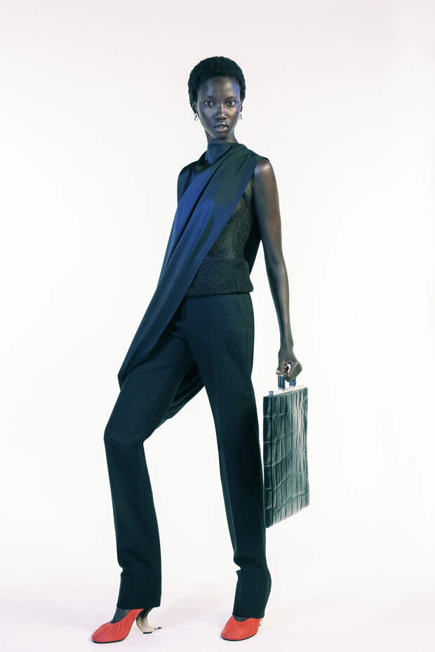 Неделя моды в Париже: новая коллекция Givenchy весна-лето 2021