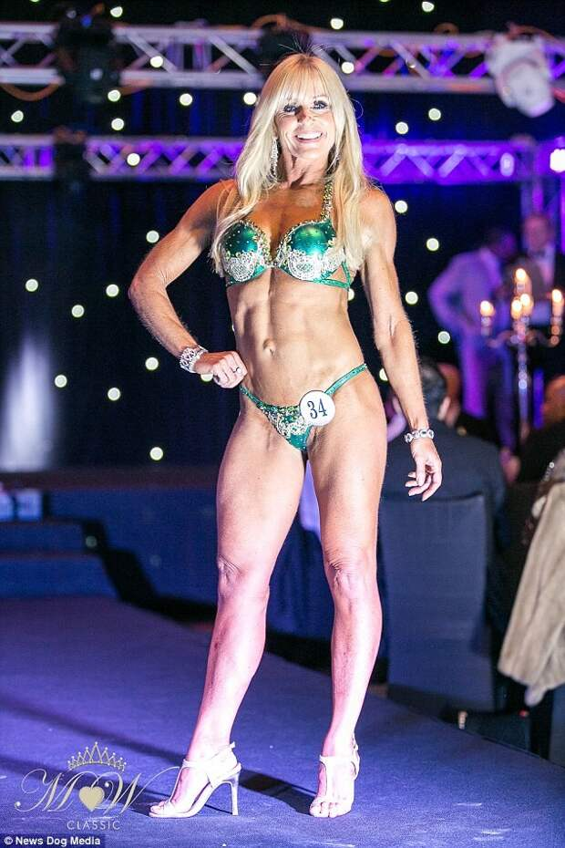 Возраст не помеха: 52-летняя британка покоряет конкурсы бикини бикини, спорт, фигура