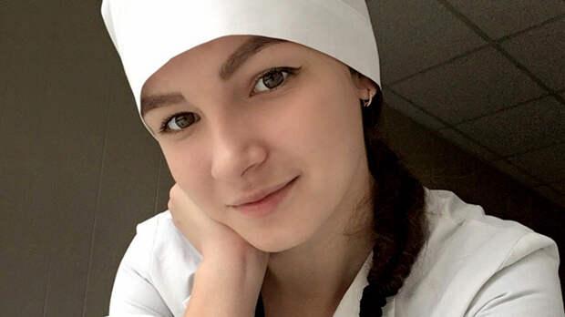 Как огонь горела для других:  Умирающая от рака студентка до последнего была волонтёром
