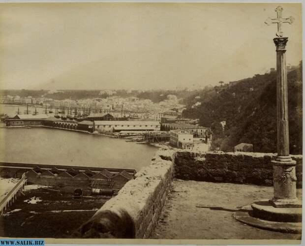 Вид на Неаполь из Помпей.