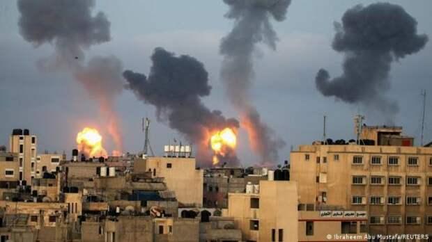 Израильская армия продолжила ракетные удары посектору Газа