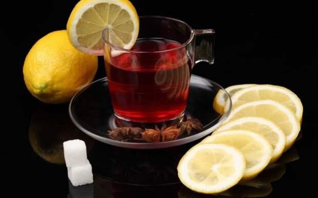 Крепкий чёрный чай с сахаром от головной боли. \ Фото: telegraf.com.ua.