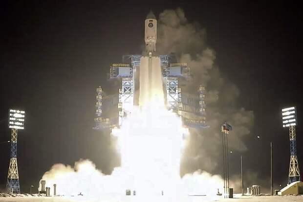 Американский генерал назвал развитие РФ и КНР в космосе вызовом для США