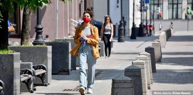 Почти 60 гостей трех ТРЦ на севере Москвы оштрафовали за отсутствие масок и перчаток. Фото: Ю.Иванко, mos.ru