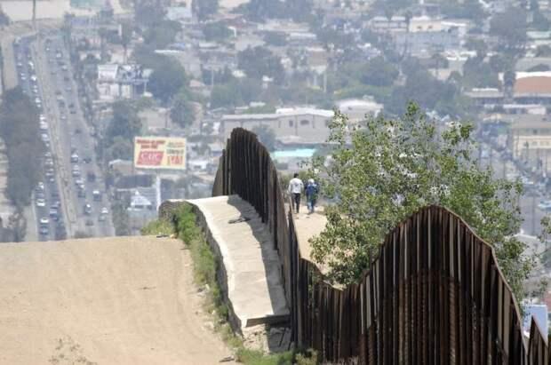 10 мрачных пограничных стен, разделяющих мир