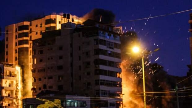 Количество погибших от израильских ударов по сектору Газа возросло до 67