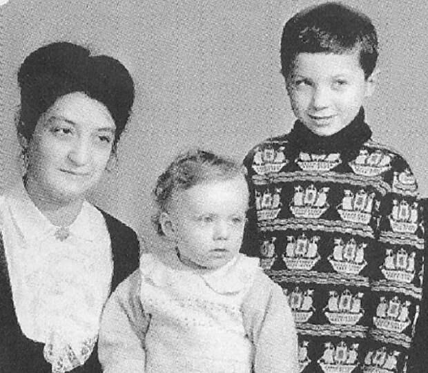 Костяк группы «Агата Кристи» - братья Самойловы - Вадим и Глеб.
