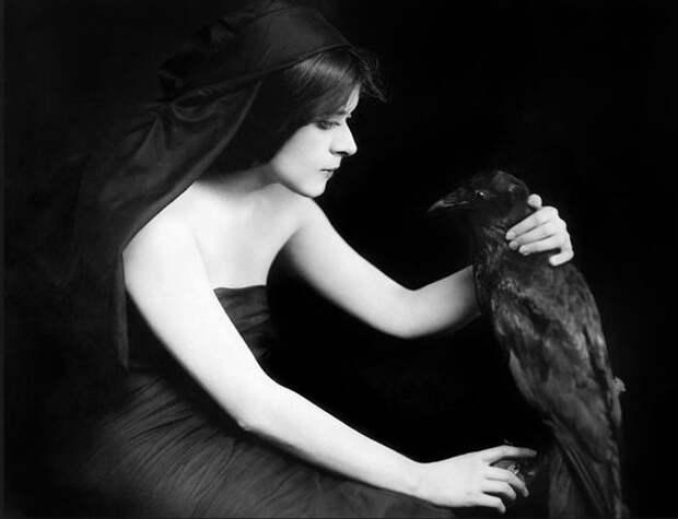 Теда Бара: первая «вампирша» Голливуда