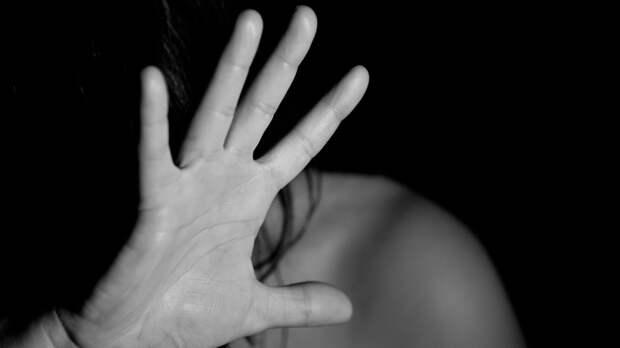 Жительница Урала спасла несовершеннолетнюю дочь от убийства и изнасилования