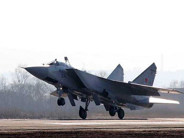 Российский истребитель сопроводил самолет-разведчик США над Тихим океаном