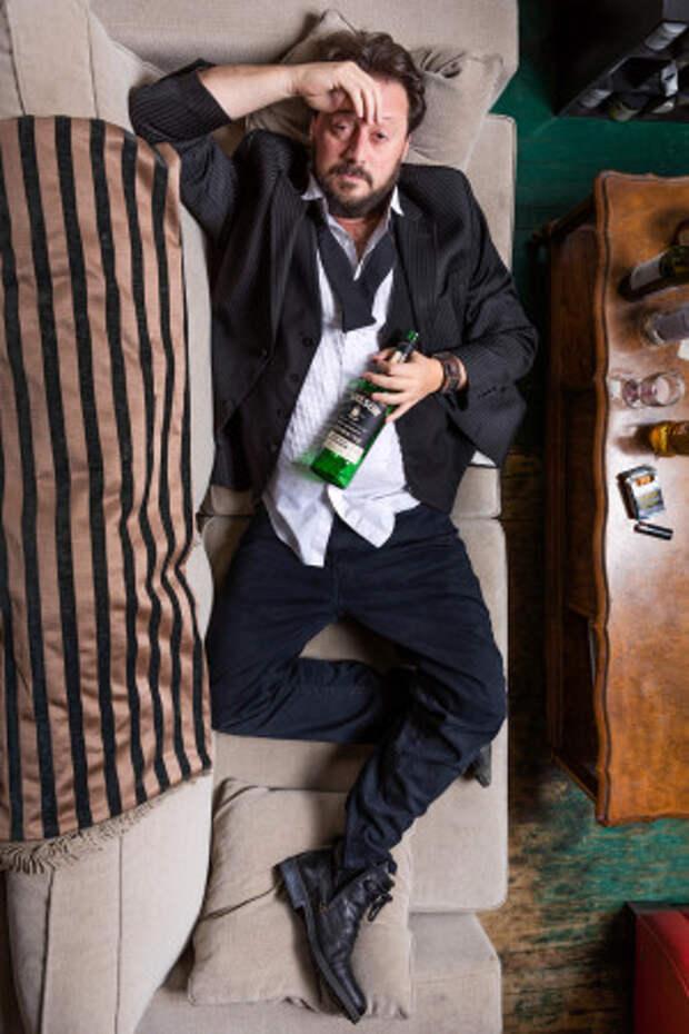 Канадский профессор пьянствовал 10 лет, чтобы найти идеальный способ избавиться от похмелья