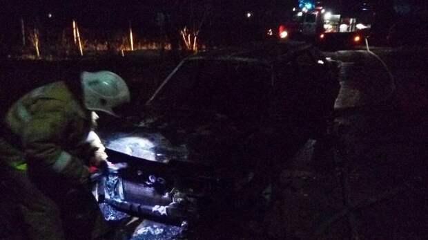 На «Тавриде» сгорел легковой автомобиль (ВИДЕО)