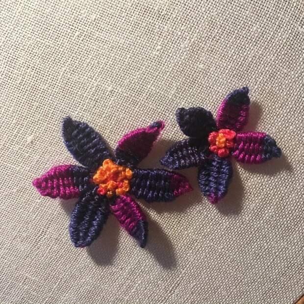 Как сделать объёмные лепестки цветка на вышивке