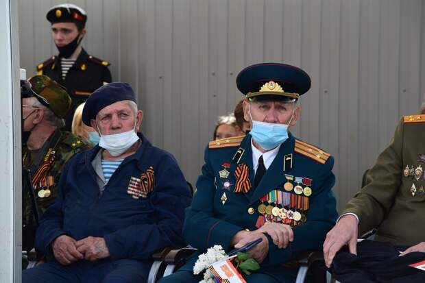 Парад Победы в Симферополе: более тысячи военных и 57 единиц техники