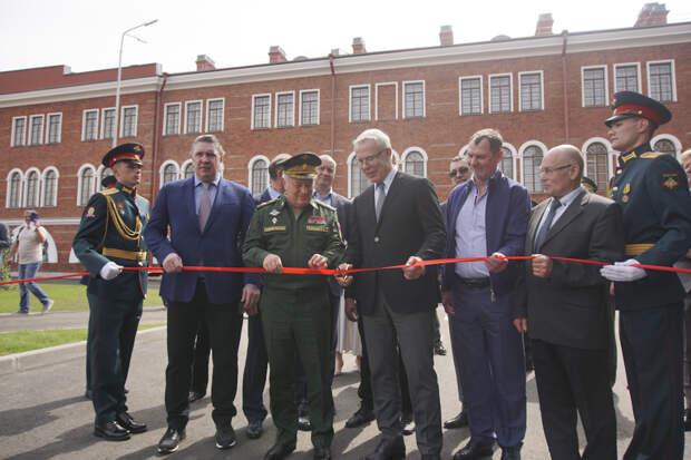 В Санкт-Петербурге в Военном институте физической культуры торжественно открыта аллея олимпийских чемпионов