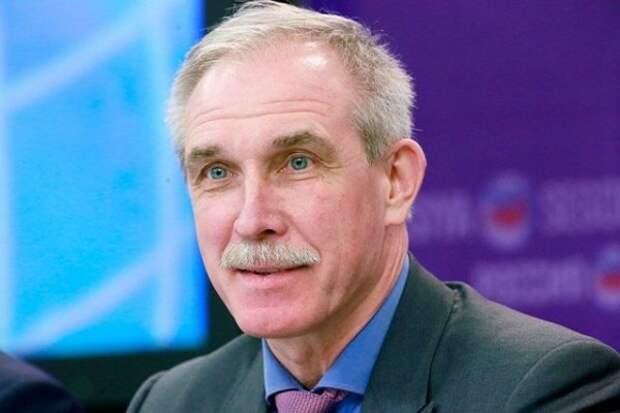 Старейший российский губернатор покинул пост, но не уходит из политики
