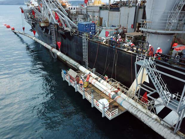 """Оператор """"Северного потока-2"""" заявил о провокациях военных кораблей, подлодок и самолетов"""