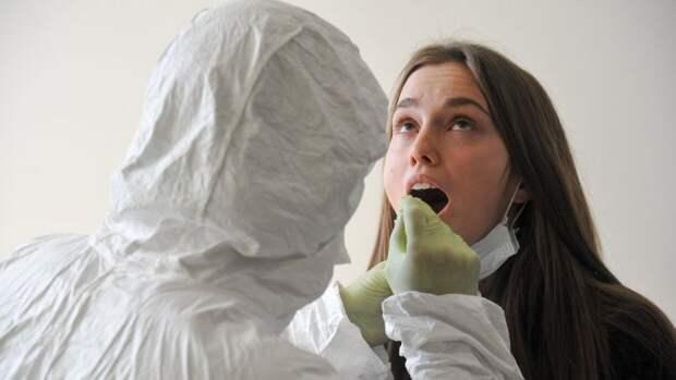 Медики зафиксировали 9321 новый случай заражения коронавирусом в России за сутки