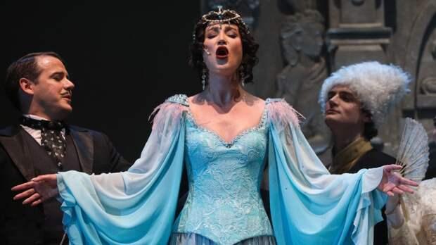 Народный артист России назвал провалом крик Бузовой на сцене МХАТа