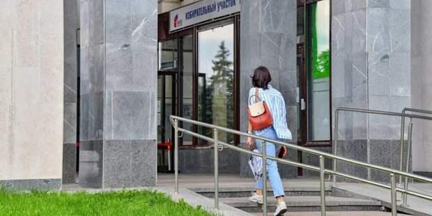 Журналист из Греции Димитрис Лиацос отметил высокий уровень организации голосования в Москве / Фото: mos.ru
