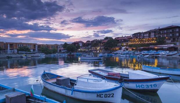 Болгария возобновляет прием документов на туристические визы