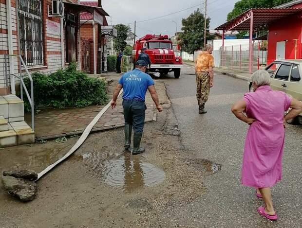 Из-за наводнения в Апшеронске объявили режим повышенной готовности