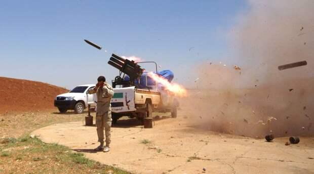 Сирия: как правительственная армия прорывается к оплоту ИГИЛ (видео)