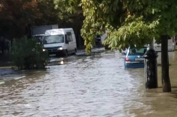 Ливни затопили Керчь: выпало около двух месячных нормы осадков