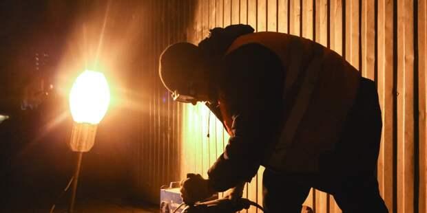 На Полярной отремонтировали погасший фонарь