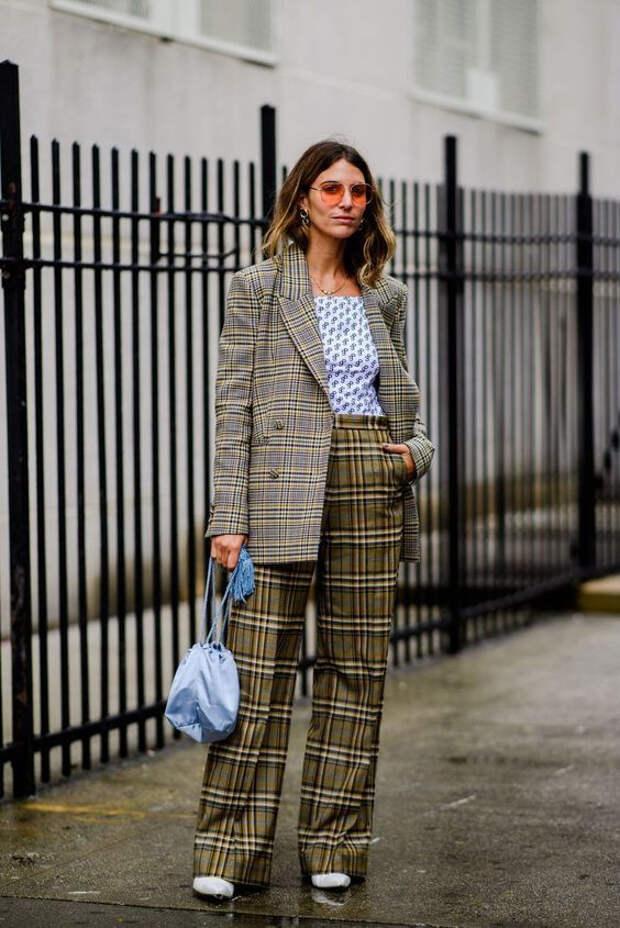 пиджак в клетку и брюки