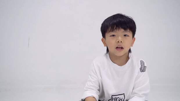 Юный танцор из Китая покоряет интернет заразительными движениями