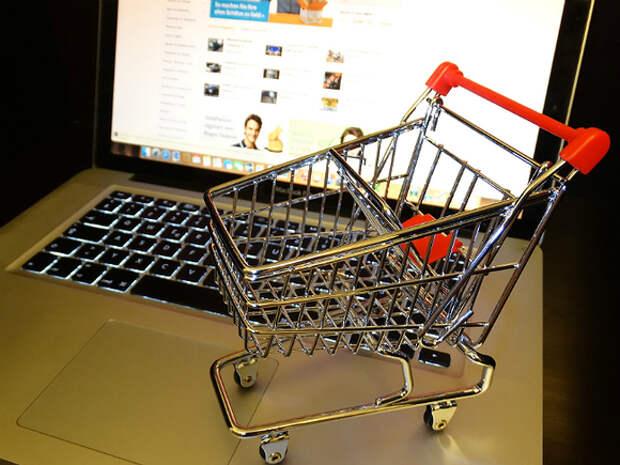 Эксперты призвали производителей и маркетплейсов к совместной борьбе с нелегальной онлайн-торговлей
